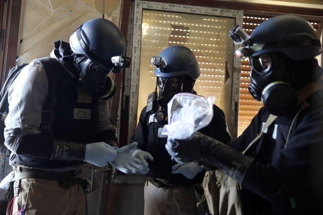 مسئله انهدام تسلیحات شیمیایی سوریه در اوت سال ۲۰۱۳ میلادی پس از حمله ای مرگبار در خارج دمشق، پایتخت مطرح شد
