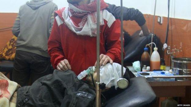همه جناح های درگیر در سوریه یکدیگر را عامل را استفاده از تسلیحات شیمیایی می دانند